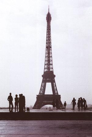 sree-vardham-eiffel-tower-b-w